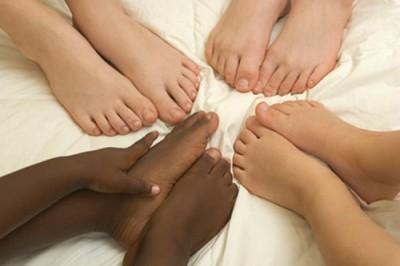 Kid's feet