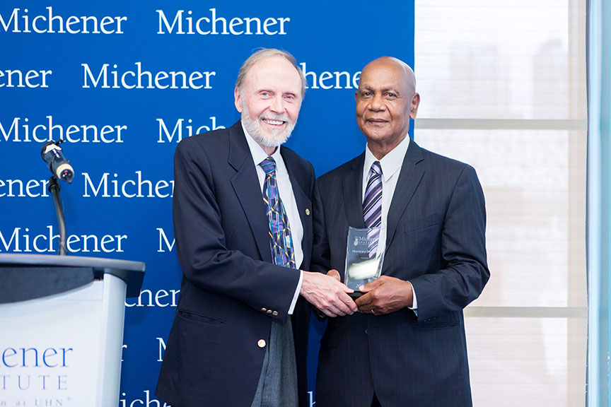 Dr. Winston Isaac, (R), recipient of the 2017 Michener Honorary Diploma in Health Sciences, with Cliff Nordal, Chair of the Board of Governors at The Michener Institute of Education at UHN. (Photo: UHN/Michener)