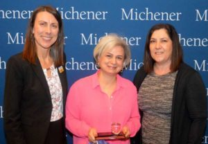 Taraneh Jorjany (centre), a Radiological Technology clinical coordinator from Sunnybrook Health Sciences Centre, received an Excellence in Clinical Teaching and Supervision Award from The Michener Institute for her lessons in patient care. (Photo: UHN)